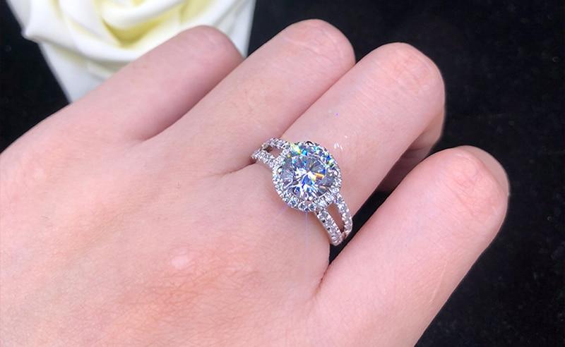 Anel Feminino de Zircônia Diamante Solitário