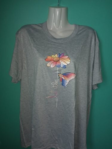 Camiseta Feminina Borboleta Colorida photo review